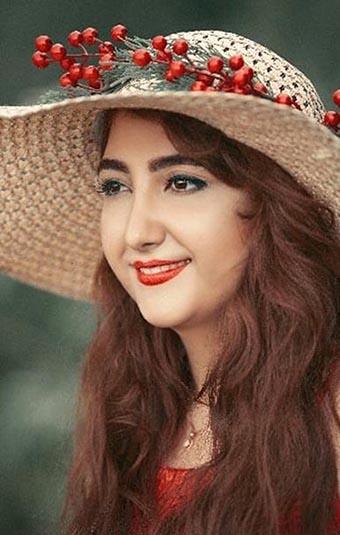 7 ZAARA AKBARI_artist_Iran