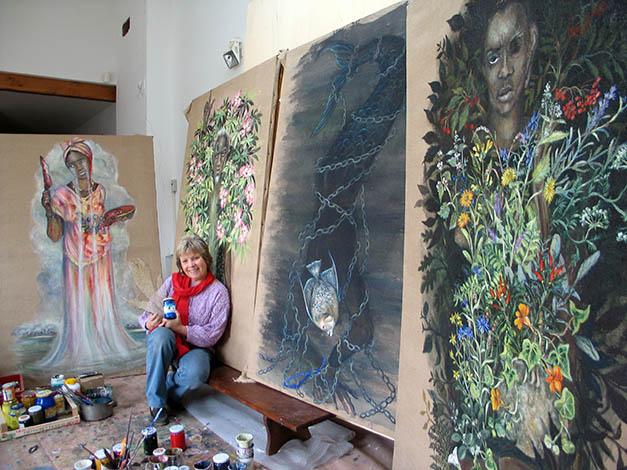 Maria Giulia Alemanno con i ritratti immaginari di Osain, Olokum, Iroko e Obba