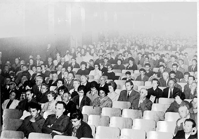 Platea del Cinema Teatro Moderno di Crescentino negli anni ?60